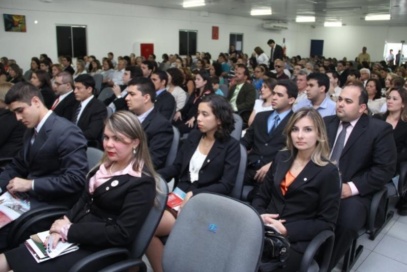 Jovens advogados recebidos por uma OAB-CE renovada