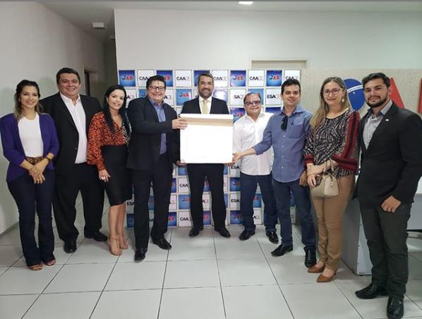 Presidente da CAACE, entregou na Subsecção do Vale do Jaguaribe, doses da vacina contra a gripe H1N1.